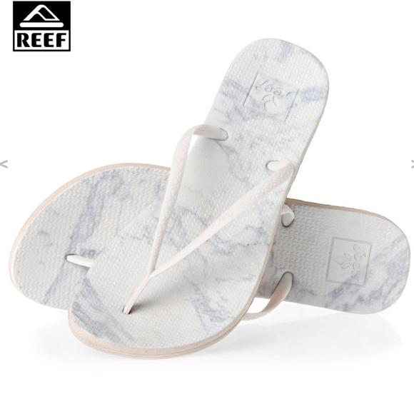 04adc09c586e Reef Escape Lux Print White Sandal Flip Flop